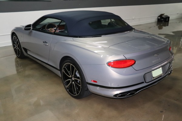 Used 2020 Bentley Continental GT V8 | Miami, FL n17
