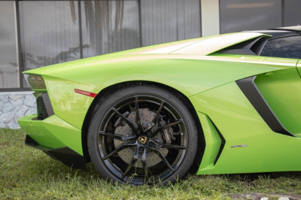 Used 2015 Lamborghini Aventador LP 700-4 Roadster | Miami, FL n20