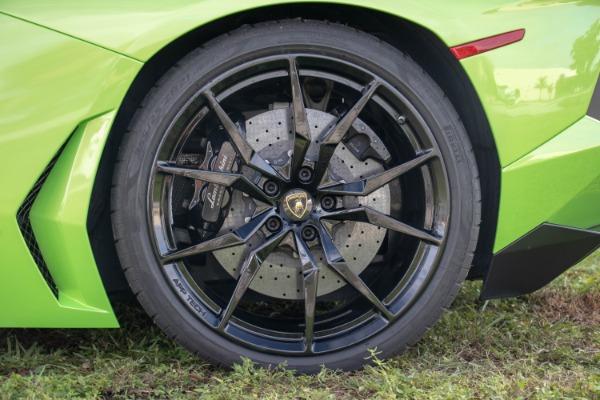 Used 2015 Lamborghini Aventador LP 700-4 Roadster | Miami, FL n31