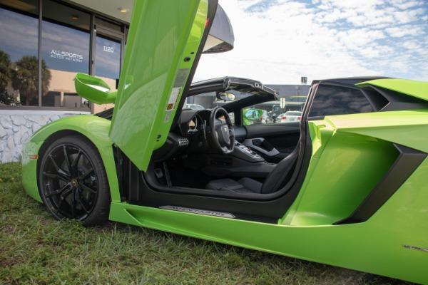 Used 2015 Lamborghini Aventador LP 700-4 Roadster | Miami, FL n59