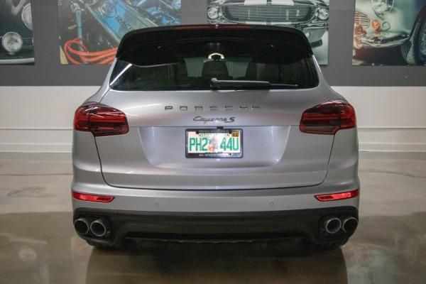 Used 2017 Porsche Cayenne S E-Hybrid Platinum Edition | Miami, FL n15