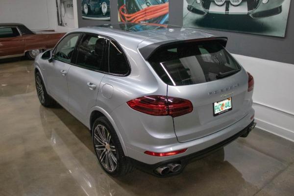 Used 2017 Porsche Cayenne S E-Hybrid Platinum Edition | Miami, FL n17