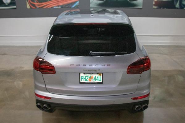 Used 2017 Porsche Cayenne S E-Hybrid Platinum Edition | Miami, FL n18