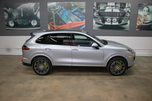 Used 2017 Porsche Cayenne S E-Hybrid Platinum Edition | Miami, FL n21