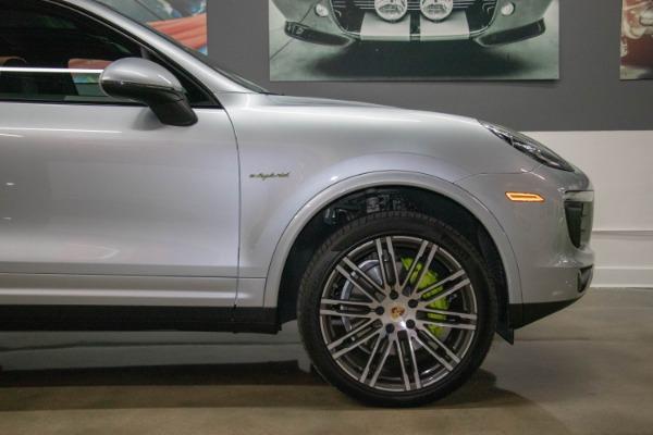 Used 2017 Porsche Cayenne S E-Hybrid Platinum Edition | Miami, FL n22