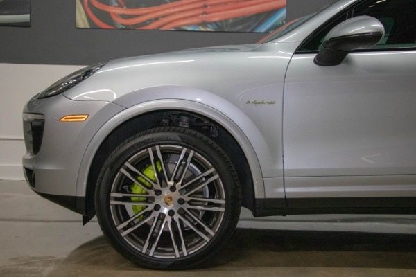 Used 2017 Porsche Cayenne S E-Hybrid Platinum Edition | Miami, FL n26