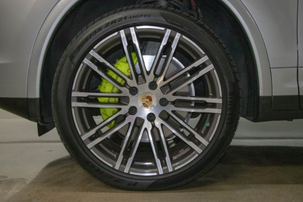 Used 2017 Porsche Cayenne S E-Hybrid Platinum Edition | Miami, FL n29