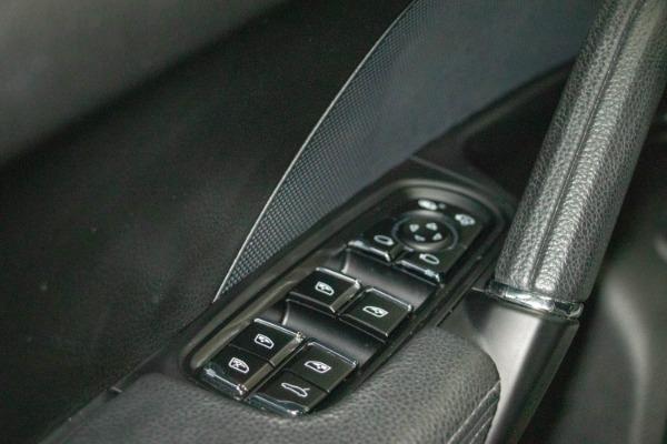Used 2017 Porsche Cayenne S E-Hybrid Platinum Edition | Miami, FL n38