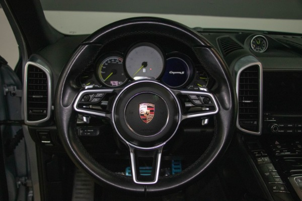 Used 2017 Porsche Cayenne S E-Hybrid Platinum Edition | Miami, FL n45