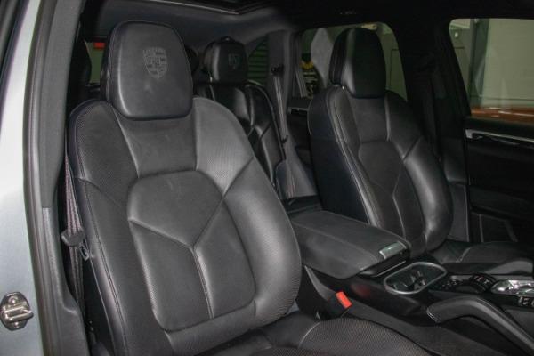 Used 2017 Porsche Cayenne S E-Hybrid Platinum Edition | Miami, FL n56