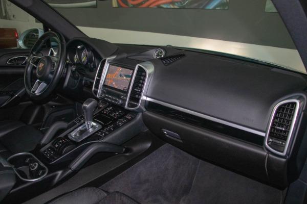 Used 2017 Porsche Cayenne S E-Hybrid Platinum Edition | Miami, FL n57