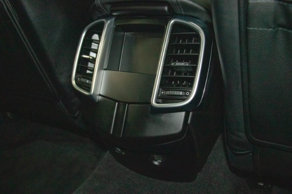 Used 2017 Porsche Cayenne S E-Hybrid Platinum Edition | Miami, FL n68