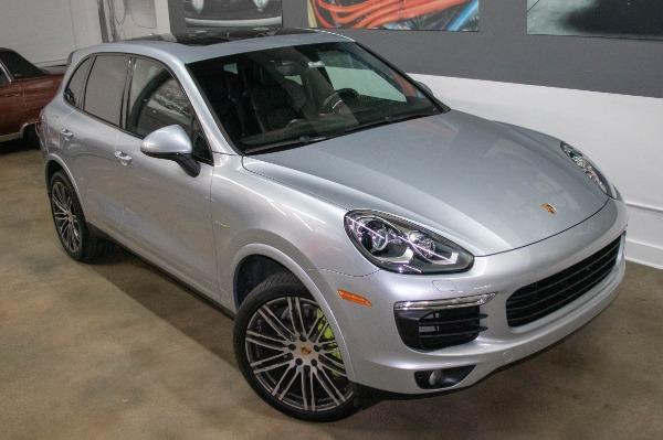 Used 2017 Porsche Cayenne S E-Hybrid Platinum Edition | Miami, FL n8