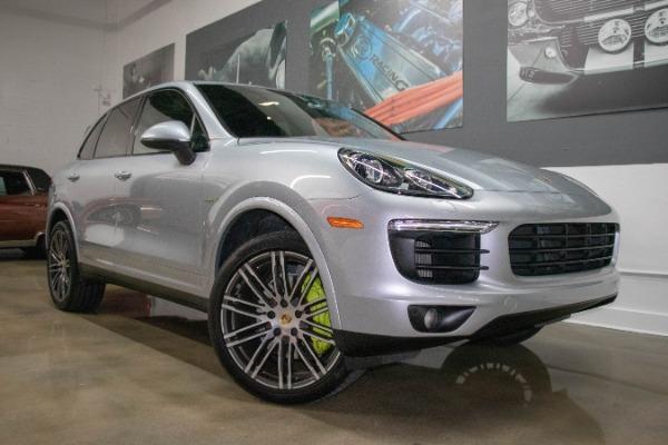 Used 2017 Porsche Cayenne S E-Hybrid Platinum Edition | Miami, FL n9