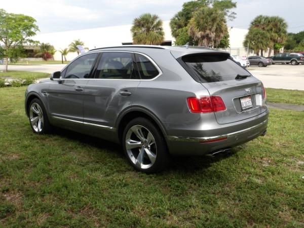 Used 2019 Bentley Bentayga V8 | Miami, FL n16