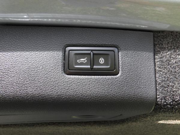 Used 2019 Bentley Bentayga V8 | Miami, FL n18