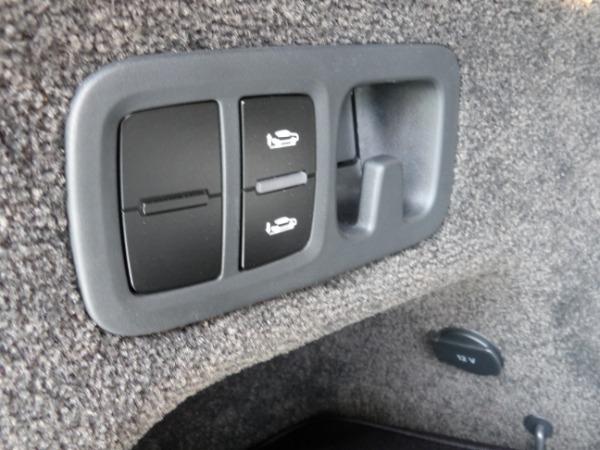 Used 2019 Bentley Bentayga V8 | Miami, FL n19