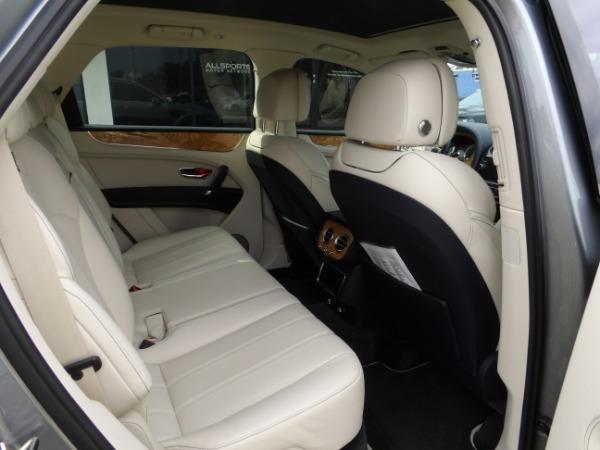 Used 2019 Bentley Bentayga V8 | Miami, FL n22