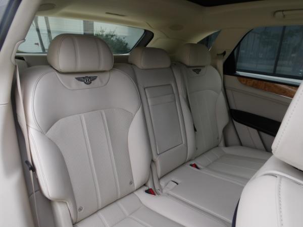 Used 2019 Bentley Bentayga V8 | Miami, FL n23