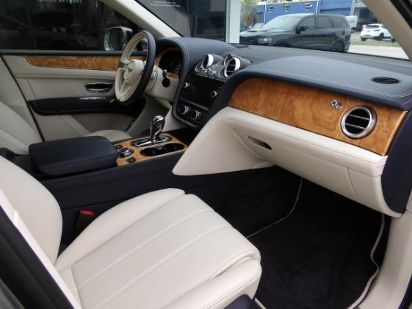 Used 2019 Bentley Bentayga V8 | Miami, FL n26