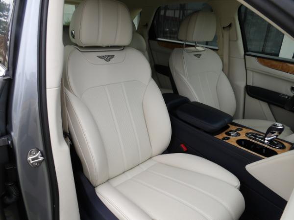 Used 2019 Bentley Bentayga V8 | Miami, FL n28
