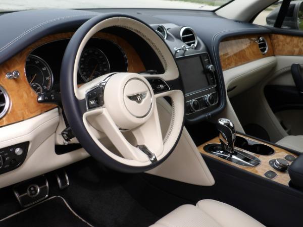 Used 2019 Bentley Bentayga V8 | Miami, FL n37