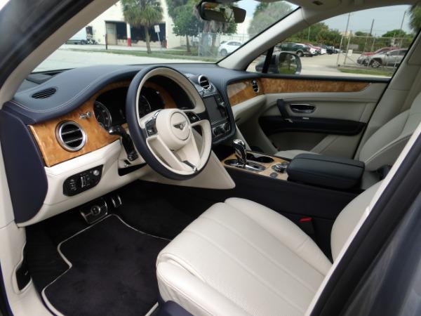Used 2019 Bentley Bentayga V8 | Miami, FL n38