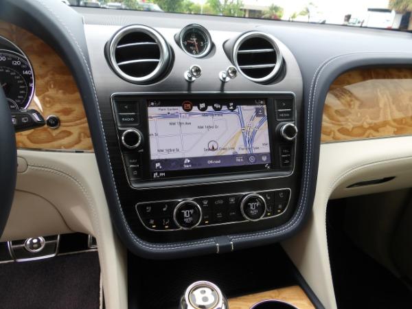 Used 2019 Bentley Bentayga V8 | Miami, FL n44