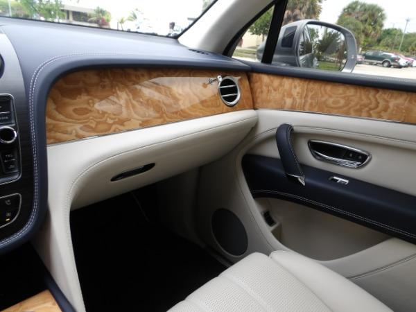 Used 2019 Bentley Bentayga V8 | Miami, FL n47