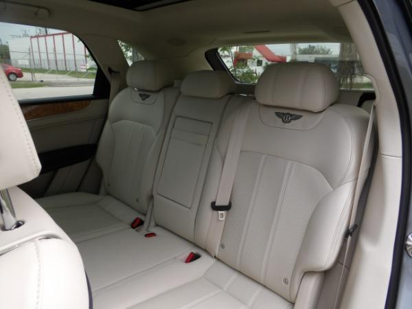 Used 2019 Bentley Bentayga V8 | Miami, FL n52