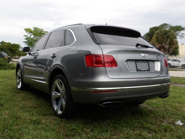 Used 2019 Bentley Bentayga V8 | Miami, FL n65