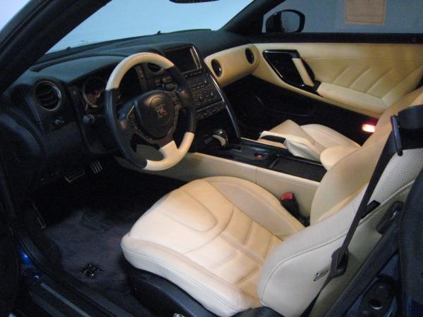 Used 2015 Nissan GT-R Premium   Miami, FL n28