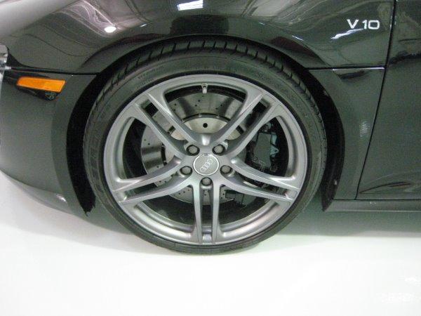 Used 2011 Audi R8 5.2 quattro Spyder | Miami, FL n15
