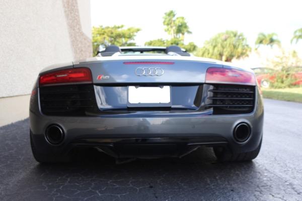 Used 2015 Audi R8 5.2 quattro Carbon Spyder | Miami, FL n12