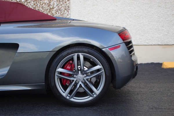 Used 2015 Audi R8 5.2 quattro Carbon Spyder | Miami, FL n22