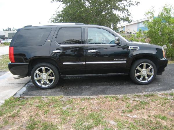 Used 2009 Cadillac Escalade Hybrid  | Miami, FL n2